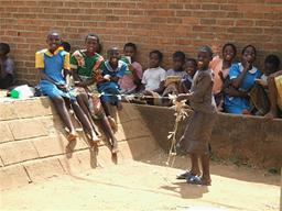 UNICEF Bangwe - kids playing Displays a larger version of this image in a new browser window